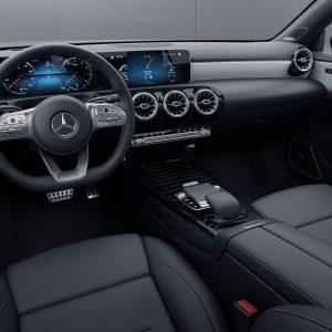 Защитное стекло Mercedes-Benz CLA