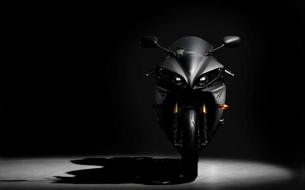 Полимерное защитное стекло для ветрового стекла мотоцикла
